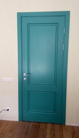 звукоизоляционная дверь межкомнатная крашеная голубая
